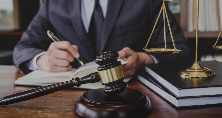 Plataforma esclarece dúvidas jurídicas e conecta gratuitamente cidadãos a advogados