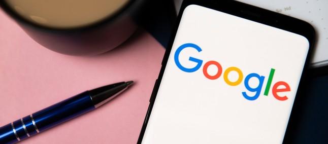 O Google agora deixa você cantar para encontrar aquela música que grudou na sua cabeça