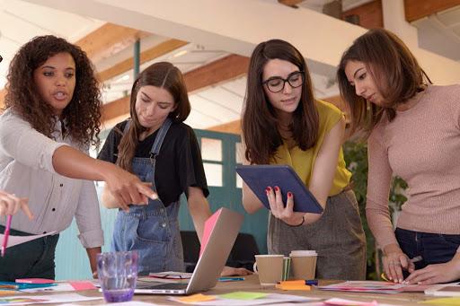 Presença feminina em direções é um dos fatores que contribuem para o desempenho e lucratividade das empresas